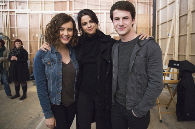 Selena Gomez, Katherine Langford e Dylan Minnette, de 13 Reasons Why
