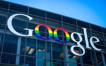 logo da google com bandeira de arco íris