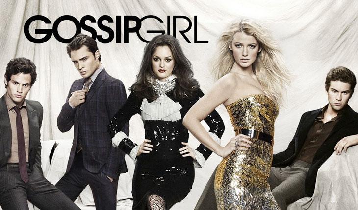 personagens de gossip girl vestindo roupas de gala