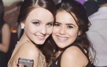 Larissa Manoela e Maisa abraçadas