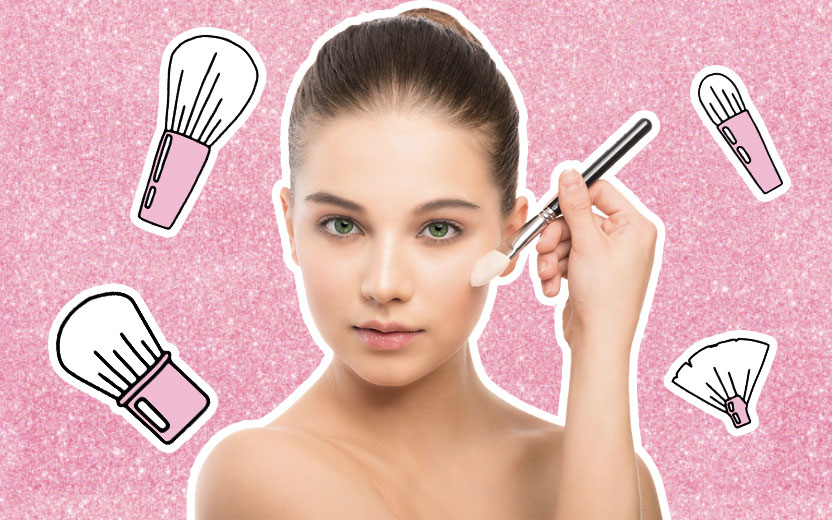 bases baratinhas - menina passando base no rosto com fundo rosa