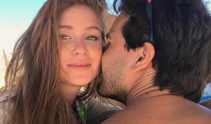 Casamento da Marina Ruy Barbosa: Xandinho cheira pescoço de Marina