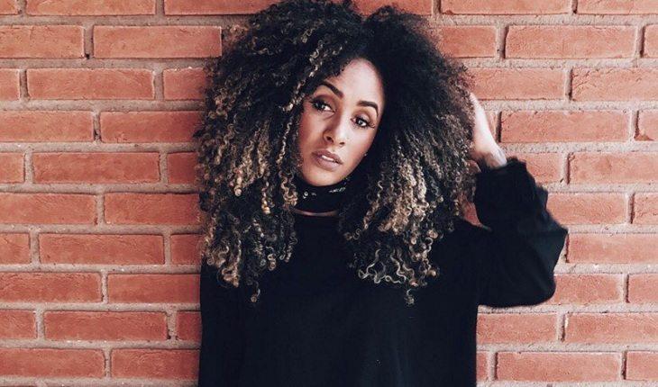 cachos-cabelo cacheado-mulher
