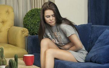 dores na menstruação-menina-cólica