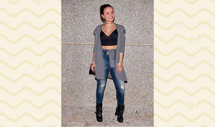 Looks da Larissa Manoela: maxi casaco