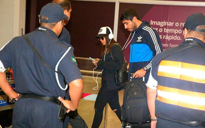 Anitta é clicada pela primeira vez ao lado do namorado Thiago Magalhães