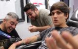 Christian Figueiredo, Rafael Moreira e o tatuador Wagner Maximus