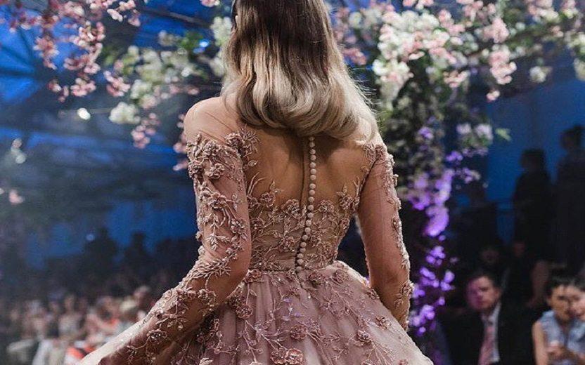 d17c76c22db Os vestidos criados pela grife Paolo Sebastian é o sonho de princesa de  qualquer garota que cresceu sendo fã das princesas Disney!