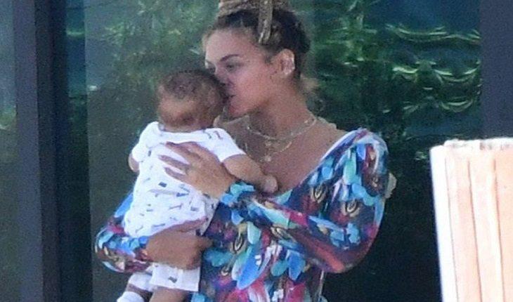 Todateen Gemeos ~ Paparazzi consegue tirar a primeira foto dos g u00eameos de Beyoncé!