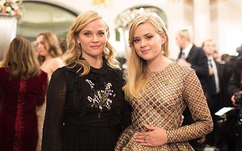 ce4801161 O vestido da filha da Reese Witherspoon é a inspiração perfeita para a sua  festa de 15 anos!
