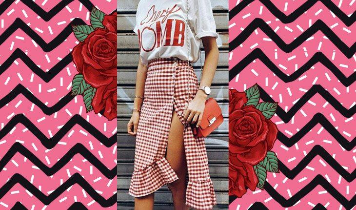 Look com saia e camiseta com detalhes vermelhos