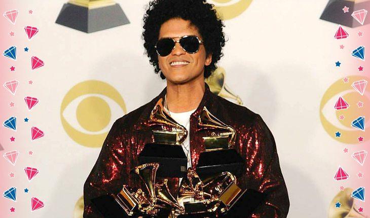 Bruno Mars com seus 6 prêmios