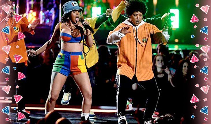 Cardi B e Bruno Mars no palco