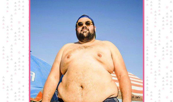 O youtuber Bernardo aproveitando o sol do verão