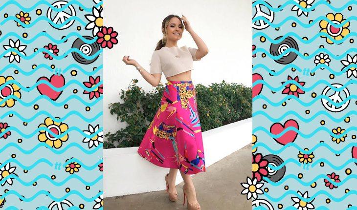 Larissa Manoela: Larissa usando saia