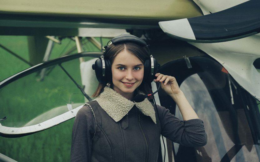 como se tornar uma pilota de avião
