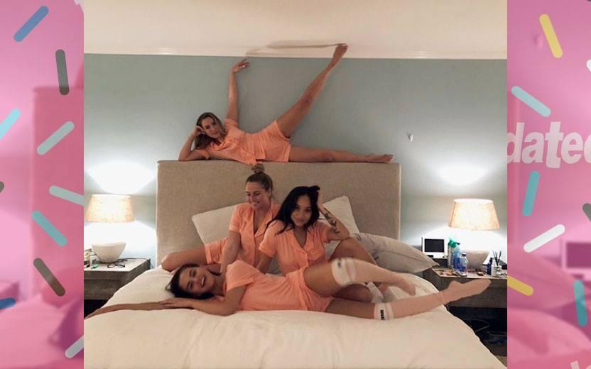 Selena Gomez fez festa do pijama