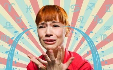 Ranking dos signos mais chorões: menina ruiva chorando