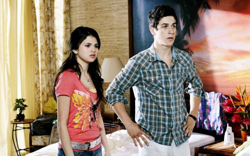 Selena Gomez e David Henrie e a esposa