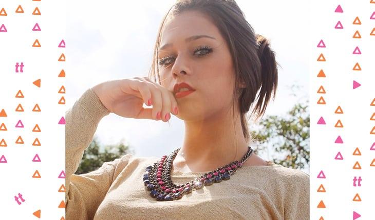 Flavia Pavanelli antes da fama posando para foto