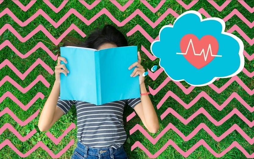 garota estudando e tentando equilibrar o vestibular e sua saúde mental