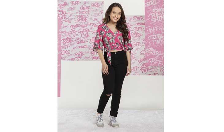 cda41176ce3b5 Larissa Manoela para a Riachuelo  atriz contou tudo sobre sua coleção