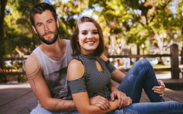 Ensaio de fotos de ex-casal vira montagens com rosto de Liam Hemsworth