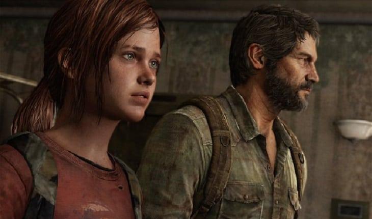 Ellie e Joel olhando para um mesmo lugar e virados de lado para a tela