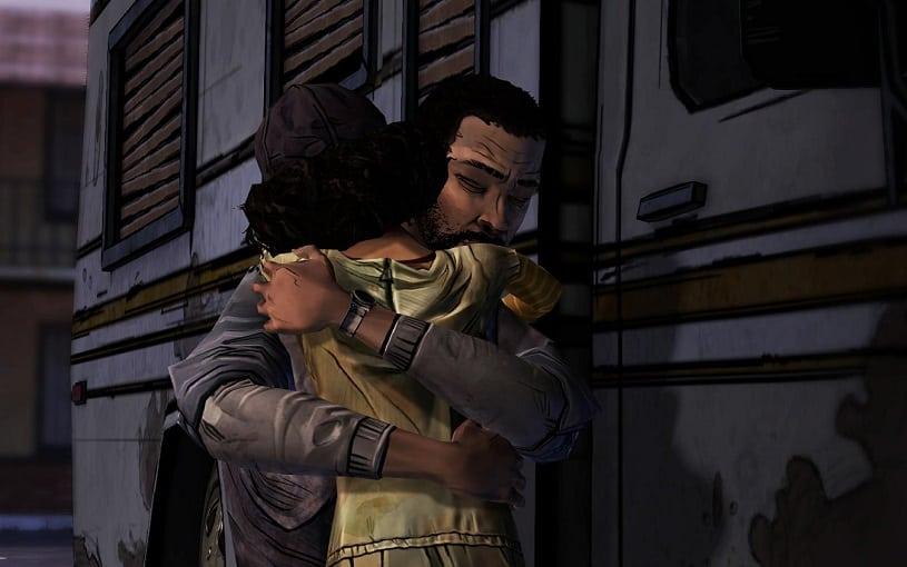 8 jogos para chorar muito: Lee e Clementine se abraçando