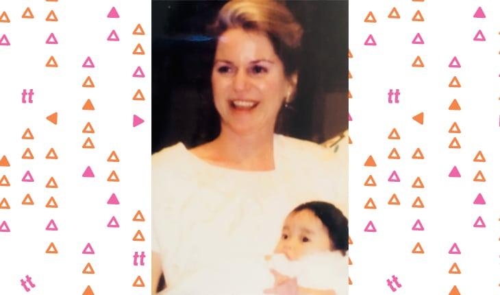Lana Condor pequena com a mãe