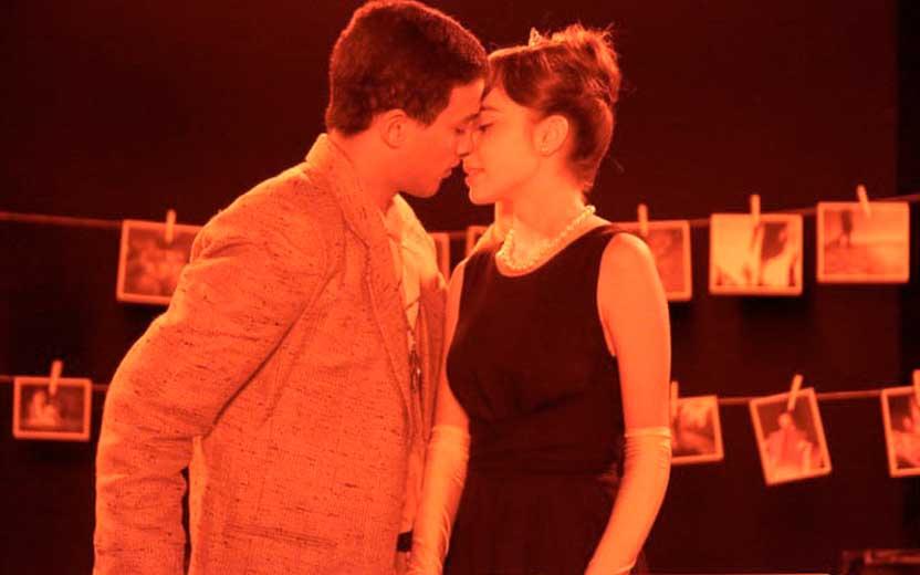 guilherme e raquel se beijam