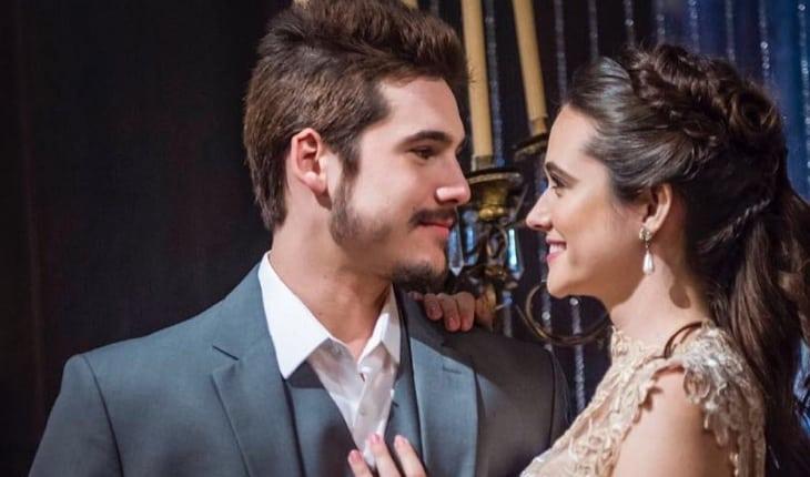 Nicolas Prattes se declara para Juliana