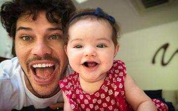 Esse vídeo fofinho do José Loreto fazendo cócegas em Bella vai alegrar o seu dia