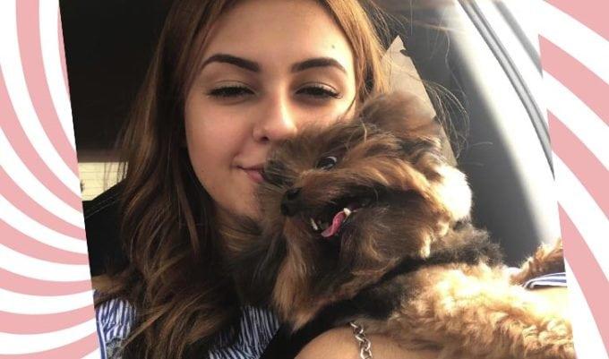 Klara Castanho e cachorro