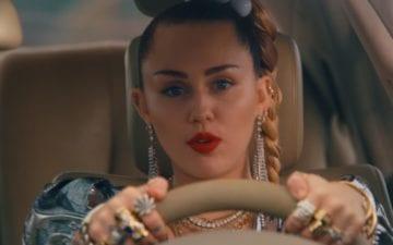 Nothing Breaks Like A Heart saiu o novo clipe de Miley Cyrus!