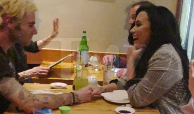 Demi Lovato e Henry