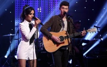 Shawn Mendes e Camila Cabello postam foto