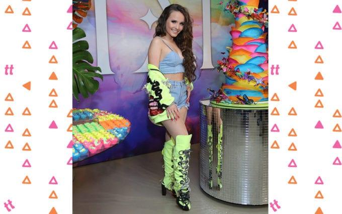Larissa Manoela comemora 18 anos