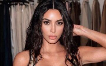 Kim Kardashian compartilha cartão de Natal da família
