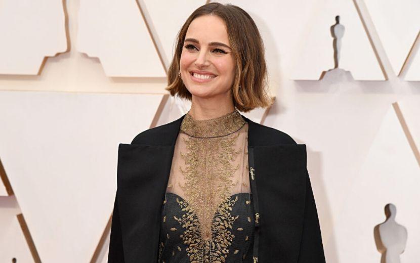O vestido de Natalie Portman no Oscar 2020 foi uma verdadeira mensagem feminista