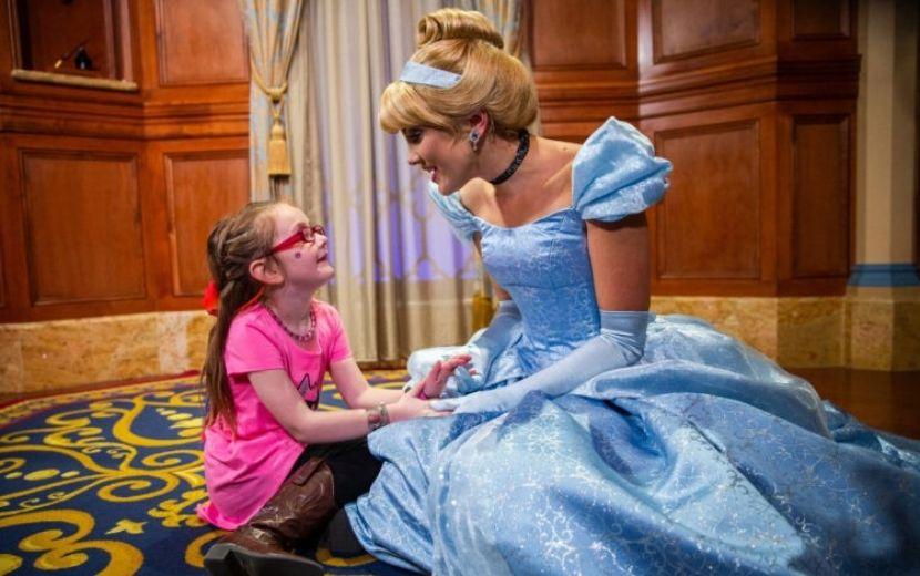 Cinderela completa 70 anos e você precisa conferir estas experiências mágicas que a princesa oferece na Disney!