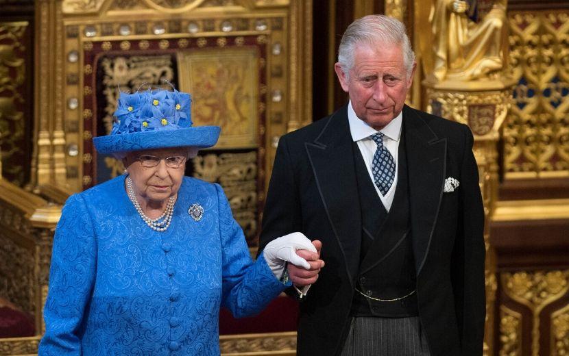 Príncipe Charles encontrou Rainha Elizabeth II antes de testar positivo para coronavírus