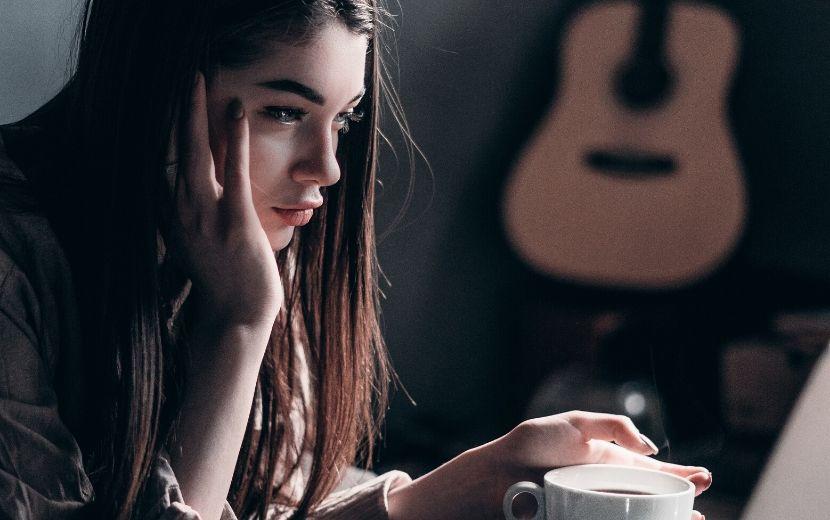 Saúde mental na quarentena: especialistas te passam todas as dicas para manter o equilíbrio