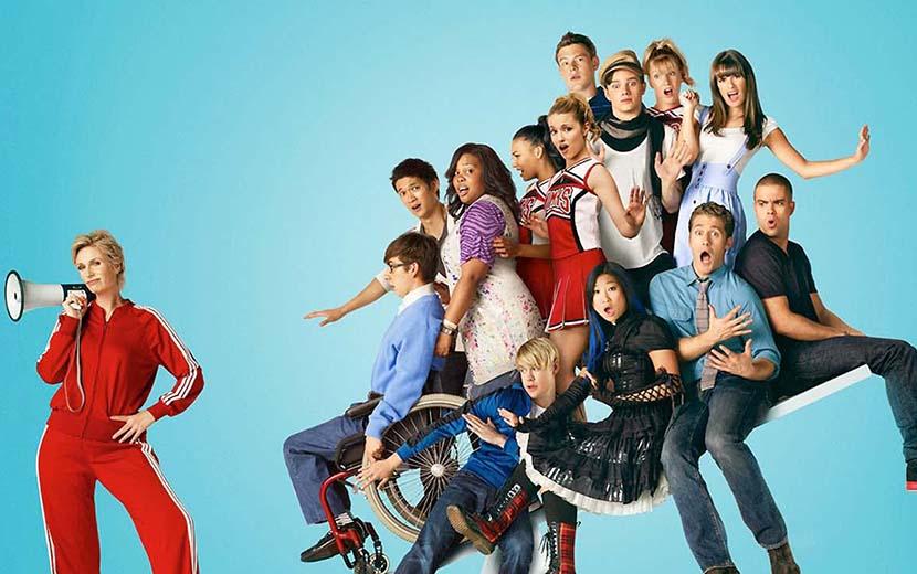 """Elenco de Glee e amigos lamentam morte de Naya Rivera: """"Que força você era"""""""