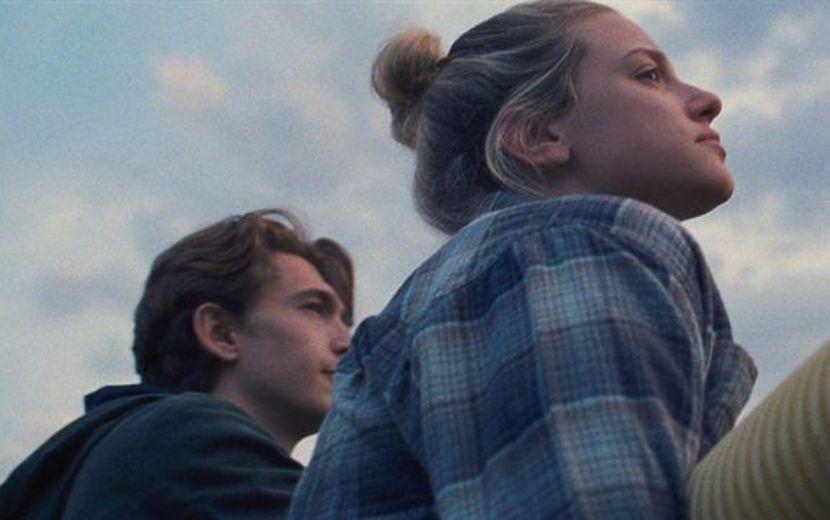 """""""Chemical Hearts"""": saiba tudo sobre o novo filme estrelado por Lili Reinhart"""