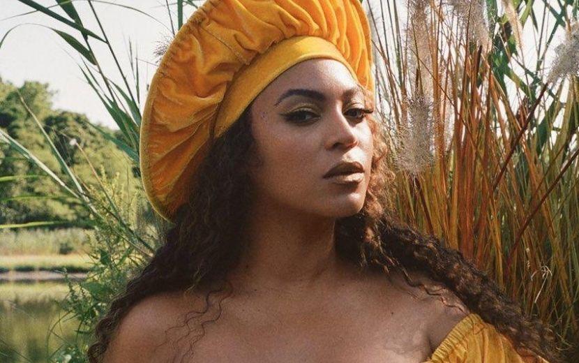 """Beyoncé surge de moletom em evento virtual e leva """"bronca"""" da mãe, Tina Knowles - veja!"""