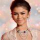 Zendaya está sendo cotada para viver cantora Ronnie Spector em novo filme, diz site