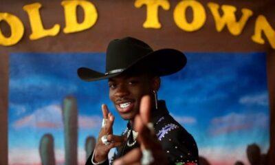 """Lil Nas X brinca sobre lançamento de novas músicas: """"Dinheiro de 'Old Town Road' está acabando"""""""