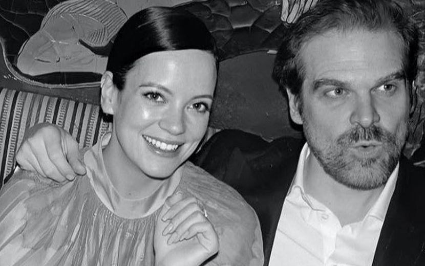 """Lily Allen e David Harbour, de """"Stranger Things"""", se casam em cerimônia em Las Vegas"""
