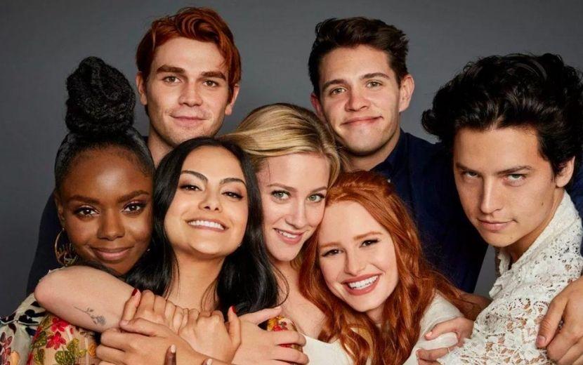 """Criador de """"Riverdale"""" dá spoilers sobre primeiros episódios da 5ª temporada"""